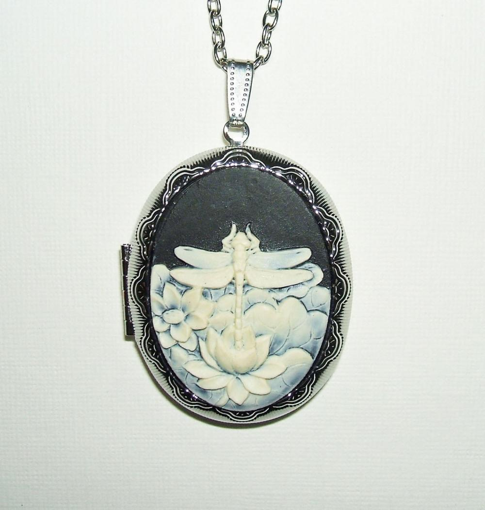 DRAGONFLY CAMEO Necklace Locket Pendant Dragon Fly On Lotus Flowers