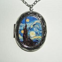 STARRY NIGHT Locket NECKLACE Pendant Altered Art Photo Holder vAN gOGH